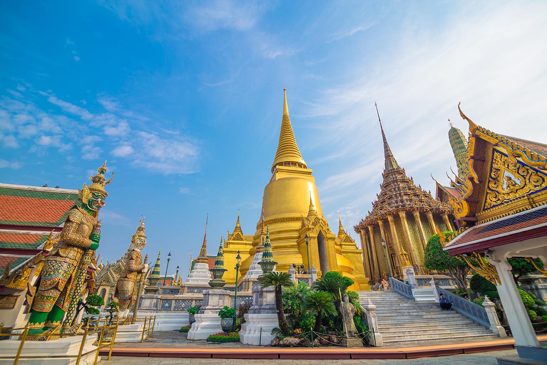 Храмы изумрудного и лежачего Будды