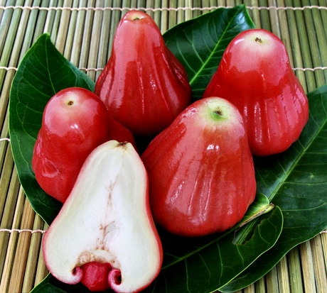 Рожеве яблуко